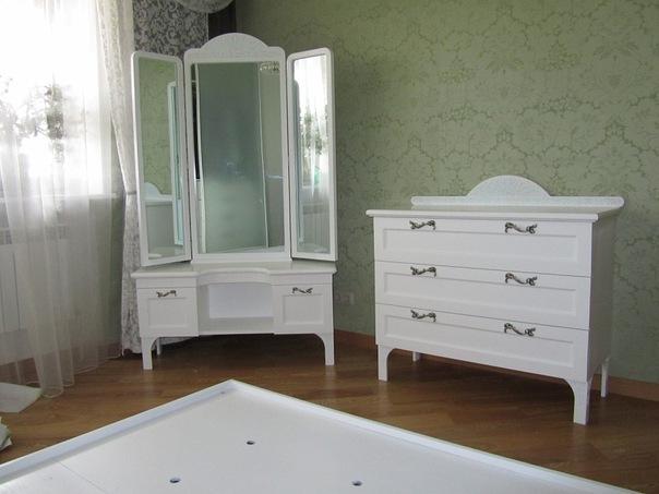 МАТЕРИАЛ: каркас и столешница: дерево, белый ГАБАРИТЫ стола (ШxВxГ): 100 x 140 x 55 см СРОК ДОСТАВКИ