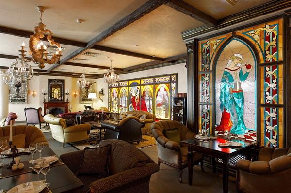 Ресторан в готическом стиле