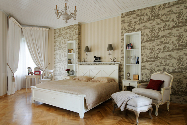 We select curtains for wallpaper